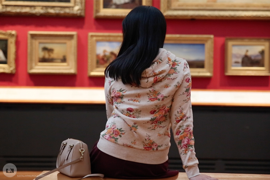Visiting Victoria & Albert Museum – short video for Art Feeds