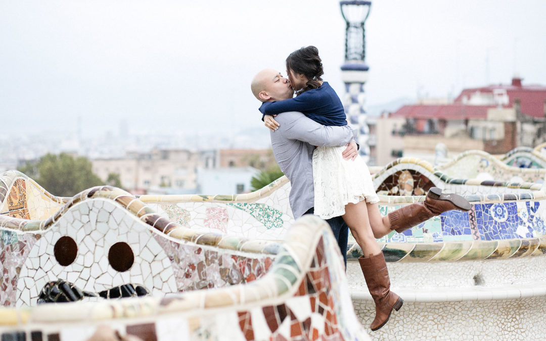 Engagement shoot in Parc Güell and Boquería