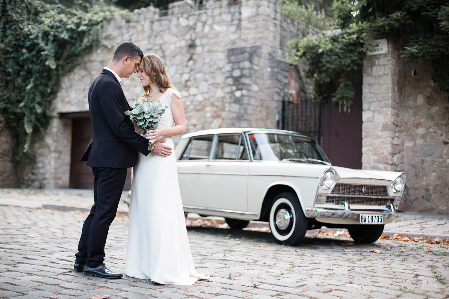 Young love | Bridal photo shoot in Barcelona