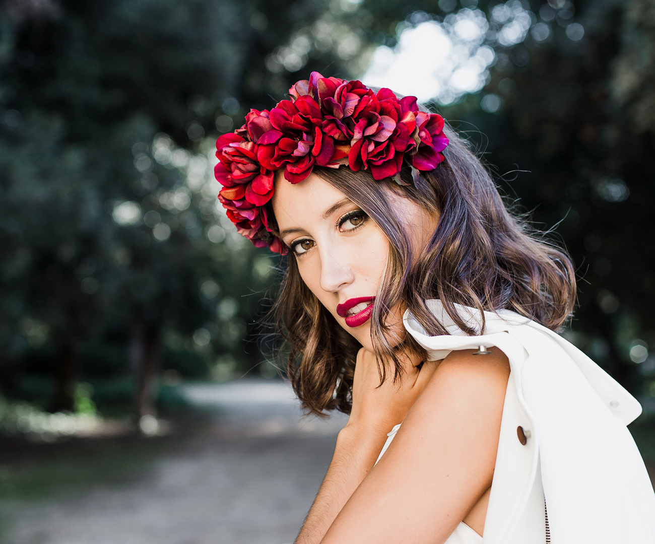 3 Minimal Dresses For Your Mediterranean Wedding