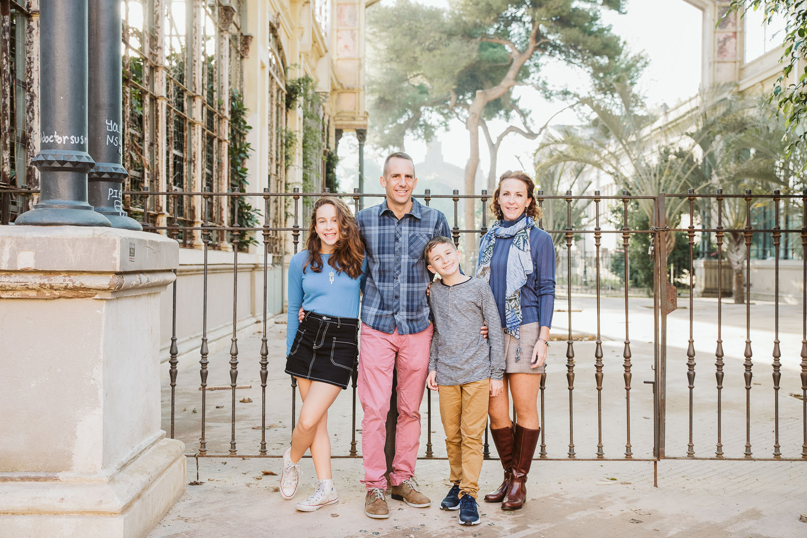 Family photo session in Barcelona | Natalia Wisniewska Photography