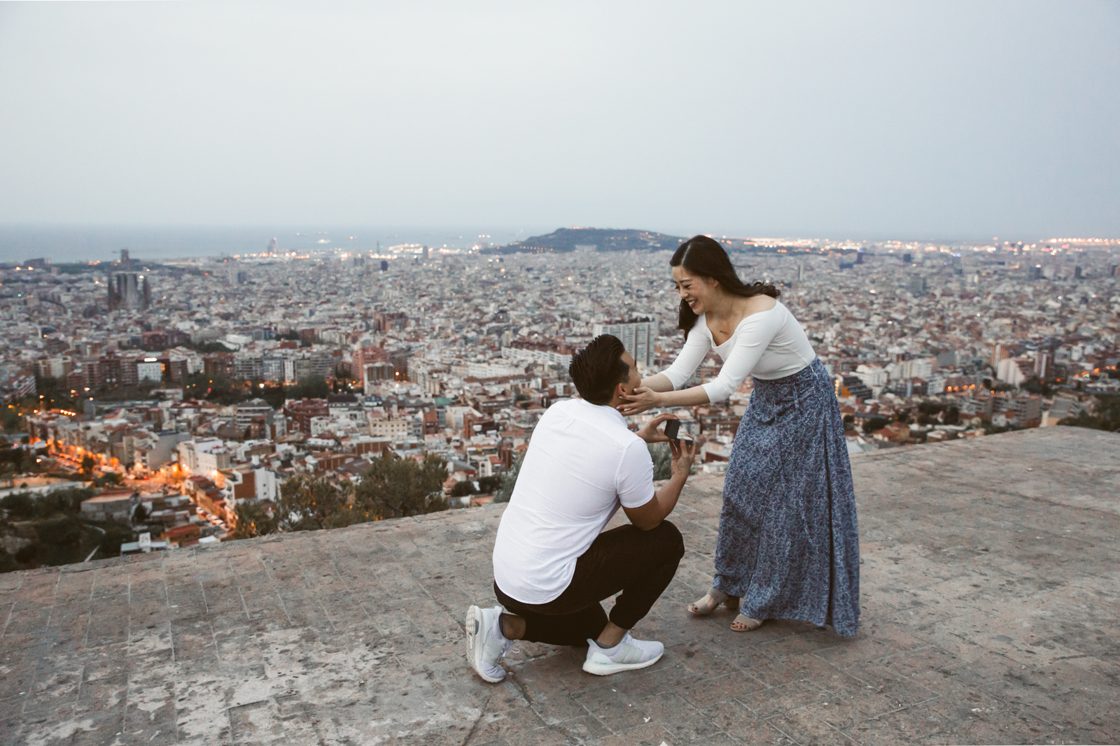 Surprise marriage proposal in Barcelona