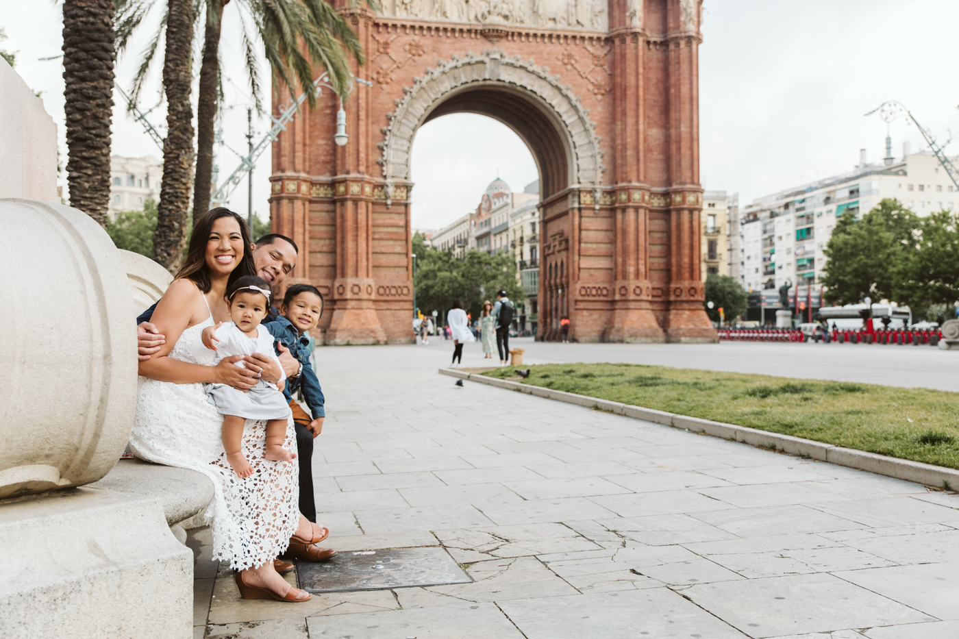 Family photographer in Barcelona, Spain