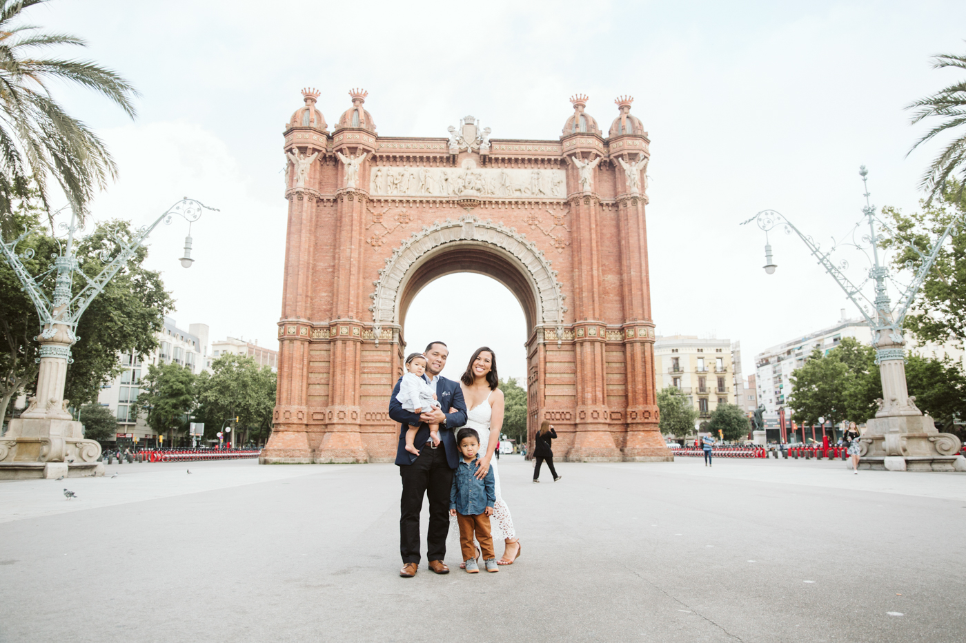 Family photo shoot in Barcelona