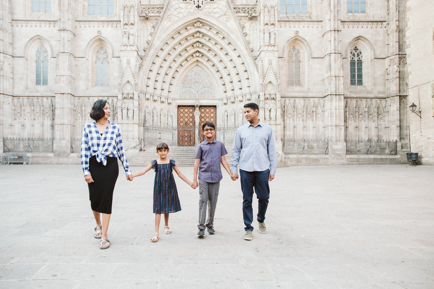 Family photographer in Barcelona